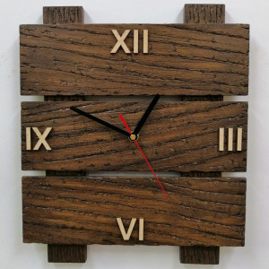 Zegar ścienny drewniany z desek drabinka rzymska