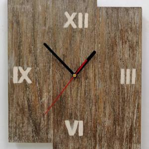 Zegar ścienny drewniany z desek, drewno