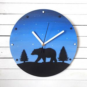 Zegar ścienny z niedźwiedziem