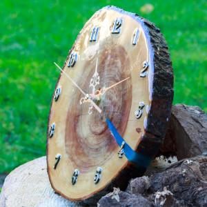 Zegar śliwa i żywica epoksydowa F2