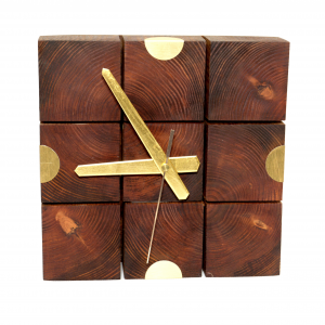 Zegar z klocków drewnianych