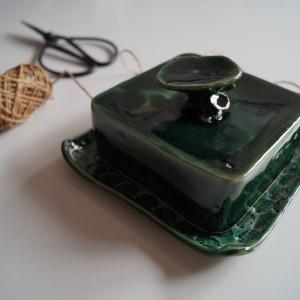 Zielony spodek z przykrywką