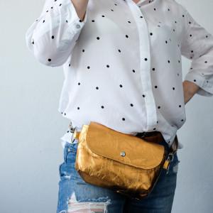 Złota Biodrówka- torebka na pas- nerka