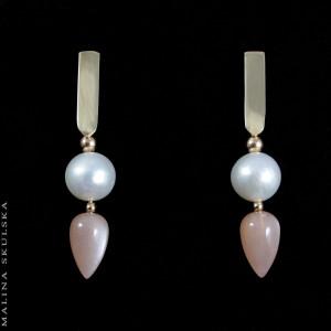 Złote sztyfty z perłami i kamieniem księżycowym